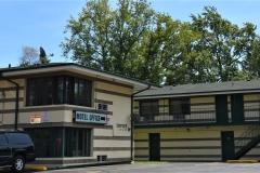09. Motel Roof_ 1713 Sheridan Rd._ Zion